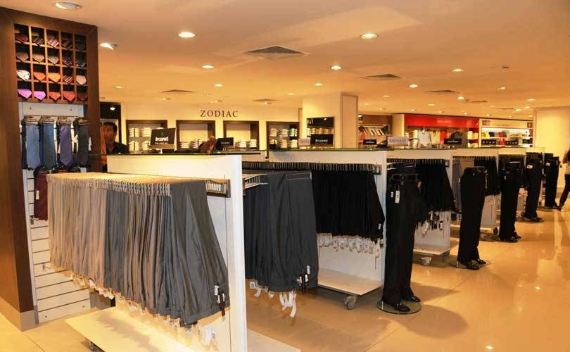 Physical retailers increase investments to woo customers